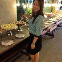Photo taken at บุฟเฟต์นานาชาติ โรงแรมบางกอกชฎา by Pinkiko J. on 2/17/2012