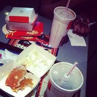 Photo taken at McDonald's / McCafé by Jing L. . on 10/14/2011