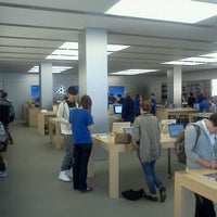 Photo taken at Apple SouthGate by Chris .A. d. on 10/17/2011