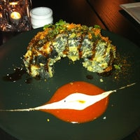Photo taken at SUSHIRAW by Cinthya C. on 5/21/2011