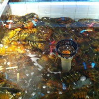 Photo taken at Joe's Lobster and Fish Mart by Amy Z. on 6/11/2012