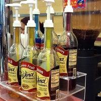Foto diambil di Café Blenz oleh Ludmilla F. pada 7/28/2011