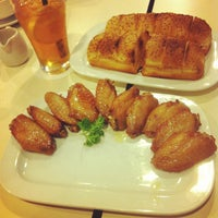 Photo taken at Pizza Hut by Wen Jie K. on 5/1/2012