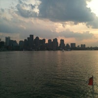 Foto tomada en Boston Harbor  por Paul L. el 7/16/2012