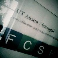 Photo taken at Faculdade de Ciências Sociais e Humanas da Universidade Nova de Lisboa by Hugo on 11/29/2011