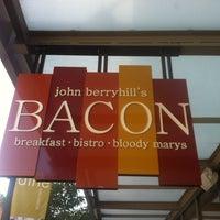 7/13/2011 tarihinde Scott C.ziyaretçi tarafından John Berryhill's Bacon'de çekilen fotoğraf