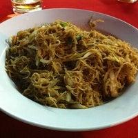 Photo taken at kedai makanan dan minuman u yi baru by Mervyn T. on 7/28/2011