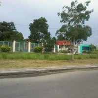 Photo taken at Institut Kemahiran Belia Negara Miri by Elena G. on 4/1/2012