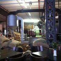 Das Foto wurde bei Kaffeerösterei Speicherstadt von Reabel D. am 5/28/2012 aufgenommen