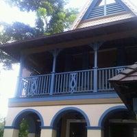 Photo taken at Nutmeg Hall (Villa 2) by EddieAnne on 11/12/2011