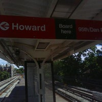 Photo taken at CTA - Jarvis by Chris J. on 9/6/2011