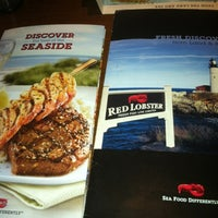 Photo taken at Red Lobster by Grace P. on 7/29/2012