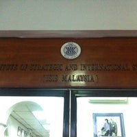 Photo taken at Institute Strategic And International Studies (ISIS) by Iqbal Z. on 7/20/2012