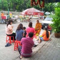 Photo taken at 7-Eleven by Sitthidej M. on 4/5/2012