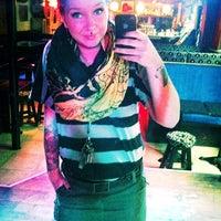 Photo taken at Bar Vikkula by Miselle R. on 2/17/2012