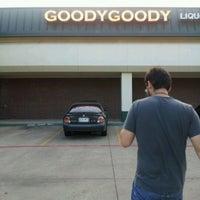 Foto tirada no(a) Goody Goody Liquor por Kvader em 4/8/2012