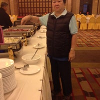 Photo taken at Crape Myrtle Hunan Restaurant by Tanaporn S. on 4/12/2012