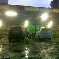Photo taken at Suranta Jaya Car Wash by Bayu Dwi S. on 4/16/2012