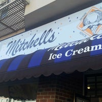 Photo taken at Mitchell's Ice Cream by Jezzel J. on 8/11/2012