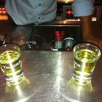 Foto tirada no(a) Bar 77 por Marie M. em 9/7/2012