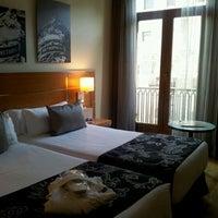 Photo taken at H10 Villa de La Reina by Beatriz C. on 4/24/2012