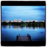 Das Foto wurde bei Парк «Борисовские пруды» von Alex L. am 7/23/2012 aufgenommen