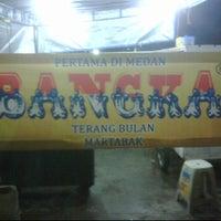 Photo taken at Martabak Bangka Jalan Riau by Cin L. on 5/24/2012