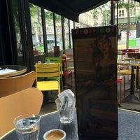 Foto diambil di Delaville Café oleh Firdavs U. pada 8/15/2012
