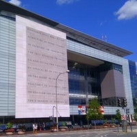 Photo taken at Newseum by kyora on 9/9/2012