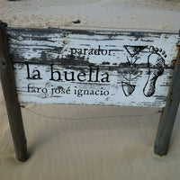 Photo prise au Parador La Huella par 🎀 Catarina N. le3/15/2012