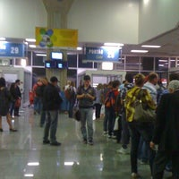 Photo taken at Gate 28 by Marcelo L. on 6/12/2012