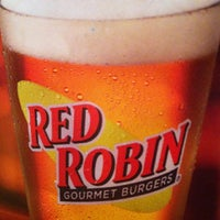 Photo taken at Red Robin Gourmet Burgers by Mitzi D. on 4/1/2012