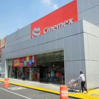 Photo taken at Cinemex by Jonathan O. on 2/4/2012