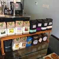 Das Foto wurde bei Houndstooth Coffee von Patrick am 6/15/2012 aufgenommen
