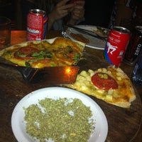 Foto tirada no(a) Pizza Do Binho por Kireseth em 7/15/2012