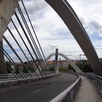 Foto tirada no(a) A Ponte do Milenio por Cedric O. em 8/22/2012