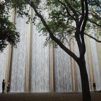 4/8/2012 tarihinde Carlos S.ziyaretçi tarafından Gerald D. Hines Waterwall Park'de çekilen fotoğraf