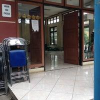 Photo taken at Kantor Kecamatan Cipondoh by Temmy H. on 4/22/2012