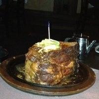 Foto scattata a Perry's Steakhouse da Christine L. il 3/15/2012