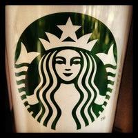 Foto tirada no(a) Starbucks por Elly S. em 3/24/2012