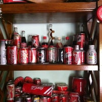 Photo taken at Coca Cola House by ♭Ξ ℳ♭Ξ Ƙ ™. on 4/1/2012