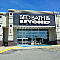 Photo taken at Bed Bath & Beyond by Donny E. on 3/22/2012