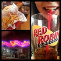 Photo taken at Red Robin Gourmet Burgers by Sofya S. on 7/16/2012