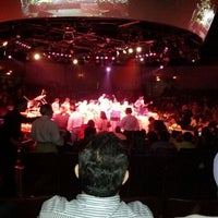 Foto tomada en Houston Arena Theater  por Aziz G. el 4/29/2012