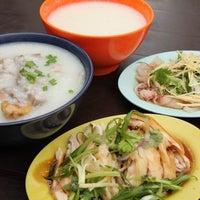 Снимок сделан в Lou Yau Kee Porridge (老友记粥) пользователем Kevin P. 4/17/2012