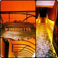 Foto tirada no(a) Winchester Pub por Fabiana J. em 2/24/2012