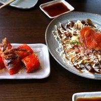 Photo taken at Sushi Zanmai (壽司三味) by Yee Ling K. on 2/11/2012