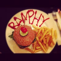 Photo taken at New York Style Steak & Burger by Stephy W. on 8/21/2012
