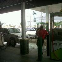 Photo taken at Estación Isla by Hamlet R. on 5/2/2012