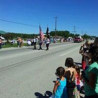 รูปภาพถ่ายที่ Community of Carlsville โดย S K. เมื่อ 7/28/2012